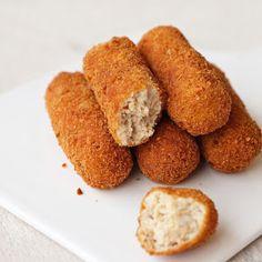 Μανιτάρια Ψητά με Μπαλσάμικο | Always Hungry Cornbread, Ethnic Recipes, Food, Millet Bread, Meals, Corn Bread, Yemek, Sweet Cornbread, Eten