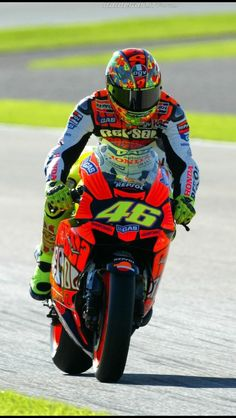 Save by Hermie Grand Prix, Course Moto, Gp Moto, Valentino Rossi 46, Vr46, Motosport, Racing Motorcycles, Motorcycle Racers, Super Bikes