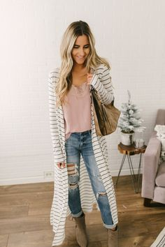 Soft Brushed Striped Duster Cardigan - White/Black Source by magnoliaboutique cardigan outfit White Cardigan Outfit, Long White Cardigan, Black And White Cardigans, Cardigan Outfits, Striped Cardigan, Casual Outfits, Fashion Outfits, Long Cardigan Outfit Summer, Mom Outfits