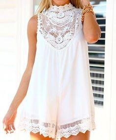 Macacão branco* lindo para o verão*