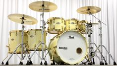 Pearl Reference Series Ivory Pearl Gold Hardware. 8x8, 10x8, 12x9, 14x14, 16x16, 22x18.  www.BateraClube.com.br www.Facebook.com/BateraClube.com.br www.YouTube.com/BateraClube www.Twitter.com/BateraClube1