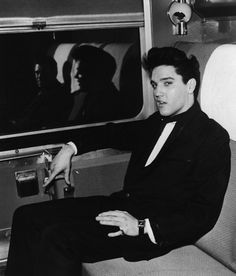 El Rey viajando en tren.
