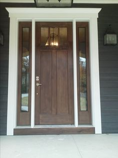 Classic front Door with one panel sidelight 1/4 Front