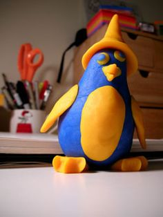Play-Doh animal ideas - penguin http://www.gilestimms.com/blog/photography/drawing-process-and-play-doh-penguin.html