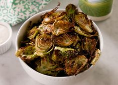 These Ranch Brussels Sprouts Are The Perfect Low-Carb Snack These Ranch Brussels Sprout Chips Are The Perfect Low-Carb SnackDelish Side Dish Recipes, Low Carb Recipes, Cooking Recipes, Healthy Recipes, Fast Recipes, Vegetable Side Dishes, Vegetable Recipes, Vegetarian Recipes, Vegan Meals