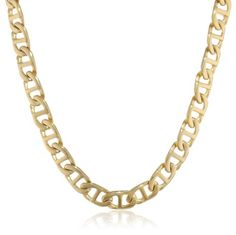 """Lisa Young commented """"Now that's a huge necklace!"""""""