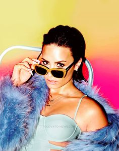 Demi Lovato - Cool for the Summer (2015).