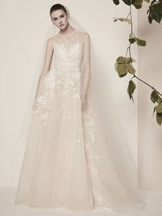 126 best elie saab ready to wear bridal images on pinterest alon 126 best elie saab ready to wear bridal images on pinterest alon livne wedding dresses bridal gowns and bride groom dress junglespirit Choice Image