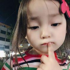 """예콩이 di Instagram """"읽기쉬운 마음이야, 당신도 스윽 훑고 가셔요, #예콩이 #일상"""""""