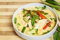 Eén hap van deze Tom Kha Kai soep en je waant je in Bangkok. gemaakt: een combi met andere recept voor deze soep. heerlijk!