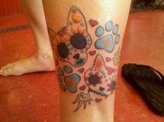 I like the dia de los muertos tattoos a fair amount. This just happens to have cats. hehe