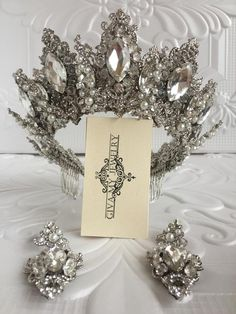 Gorgeous silver crown features beautiful clear-white crystals and radiant rhinestones in an chic design. Perfect for a wedding Silver Wedding Crowns, Wedding Tiaras, Wedding Art, Wedding Jewelry, Wedding Colors, Bridal Tiara, Bridal Headpieces, Bride Earrings, Crystal Crown
