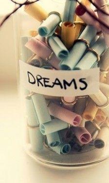 Een pot vol met dromen! Al is het maar voor de sier :)