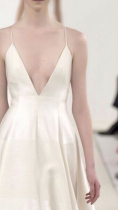 "Valentino Haute Couture ""White Collection"""