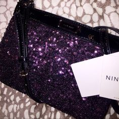 NWT Nine West sequin beauty  Gorgeous for a night out with the girls or a date night! It's romantic and delicate but also has a party feel  could be a really great addition to a social girl's closet Nine West Bags Crossbody Bags