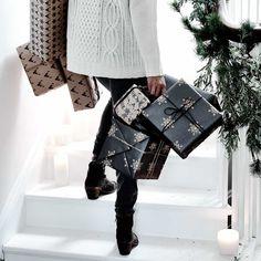 #black #Christmas parcels || Neptune.com
