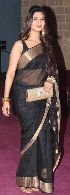 18 Awesome Pics of Divyanka Tripathi in Saree Divyanka Tripathi Saree, Black Net Saree, Bollywood Hairstyles, Sarees For Girls, Indian Girl Bikini, Most Beautiful Bollywood Actress, Casual Saree, Saree Look, Bollywood Girls