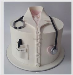 "Duru Cake & Party on Instagram: ""Doktor aday????Hande Han?m'?n Do?um Günü Sürprizi #30ocak2017…"" (Cake For Men)"