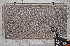 https://upload.wikimedia.org/wikipedia/commons/5/5f/F11_Kathedrale_Nativit%C3%A9-de-Marie_de_Vence.0014.JPG