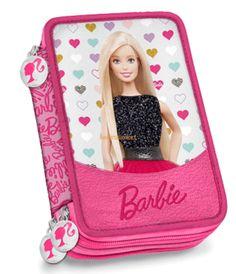 Barbie Glam è protagonista non solo di zaini ma anche di astucci per completare con stile il vostro set scolatico.  L'Astuccio Tre Piani Barbie Glam By Gut Distribution è proposto in variante unica in colore rosa. Astuccio completo di penne, colori e pennarelli, farà un figurone abbinato allo zaino della stessa linea!  Variante unica come da foto.  Dimensioni: 20x12,5x6 cm
