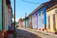 Trinidad fut mon coup de coeur lors de mon voyage à Cuba. Je vous partage ici mon humble témoignage, entre récit de voyage et conseils sur cette ville hors du temps. Vinales, Trinidad, Viva Cuba, Blog Voyage, Rues, Journey, Inspiration, Santiago De Cuba, Havana