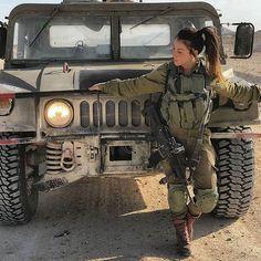 📷 Photo by Beauty will save the World Badass Girl, Badass Women, Idf Women, Military Women, Israeli Female Soldiers, Save The World, Brave Women, Army Uniform, Military Girl