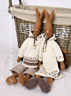 Maileg Bunny, Handmade Stuffed Animals, Funny Bunnies, Sewing Dolls, Christmas Mood, Fabric Dolls, Handmade Toys, Doll Toys, Easter Bunny