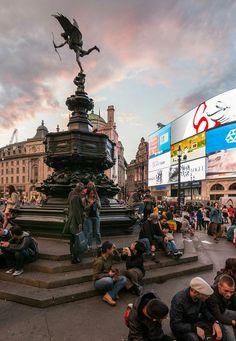 Shaftesbury Memorial Fountain - Wikipedia, the free encyclopedia London City, London Bus, London Bridge, Piccadilly Circus, London Painting, London Dreams, Shotting Photo, London Pictures, Voyage Europe