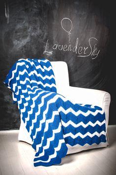 Chevron Crochet Afghan  http://lavendersky.org/plaids/knitted-blue-chevron-blanket.html