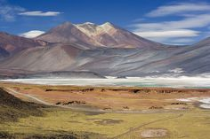 English: Cerros de Incahuasi mountains with the Salar de Talar salt flat in the foreground near San Pedro de Atacama, 4010 meters, Chile.