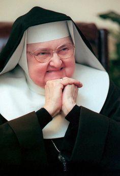 La recuerdas? | Muere la madre Angélica fundadora de medios...
