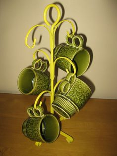 Not too many DIDN'T have one of these, or similar! Vintage Metal Cup Holder Cup Tree Cup Holder by oakiesclaptrap