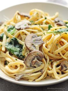 This pasta recipe is so easy and cheesy! Mushroom Florentine Pasta Recipe
