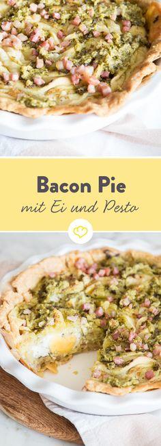 Das ist keine Quiche sondern ein Pie: hier kommen die Eier ganz rein. In diesen mit gebratenen Baconwürfeln und frischem selbstgemachten Bärlauchpesto.