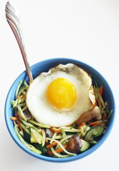 (Use all olive oil) Broccoli Slaw Breakfast is a quick way to get your breakfast veggie, protein and healthy fat all in one tasty bowl.