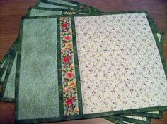 I think Mary would like some placemats like this - Floral Quilted Placemats Set of 4 in Greens Cremes by PatsPassion Quilted Placemat Patterns, Fall Placemats, Mug Rug Patterns, Christmas Placemats, Table Runner And Placemats, Table Runner Pattern, Quilted Table Runners, Quilt Patterns Free, Placemat Diy