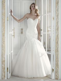 c4b43ae01e04 Tulle & Lace Fishtail Wedding Dress | Hoops a Daisy Bridal Boutique  Huddersfield Trumpet Gown,