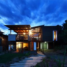 Small sustainable design by Paul Butterworth architect. Sustainable Architecture, Sustainable Design, Interior Architecture, Interior And Exterior, Roof Styles, House Styles, Stradbroke Island, Small Tiny House, Dream House Exterior