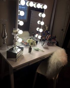 Thank you Christina J. for sharing this super fabulous set up featuring your #ImpressionsVanityGlowXL with us!  #love #vanitymirror #vanityinspo