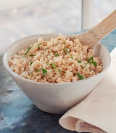 Easy oven baked brown rice. This is an easy and foolproof way to cook rice. Put it in the oven for 1 hour and it comes out  fluffy, light and perfectly cooked every time.