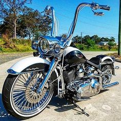 "570 Likes, 7 Comments - HD Tourers & Baggers (@hd.tourers.and.baggers) on Instagram: ""Credit to : @newcastle_custom_harley ===================== Follow & Tag ""HD Tourers and Baggers"" on…"""