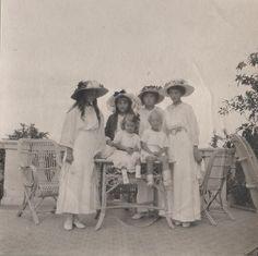 The Russian Grand Duchesses (around 1913)
