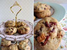 Cookies de frutos rojos, mango y chocolate, por noemozica