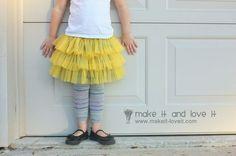 Fluffy Chiffon Skirt: full tutorial how to make this skirt. www.makeit-loveit.com