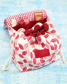 Diy Bags Purses, Diy Purse, Diy Pouch Bag, Diy Tote Bag, Diy Travel Pouches, Travel Diys, Travel Bag, Drawstring Bag Diy, Drawstring Bag Pattern