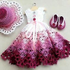 Ideas For Crochet Baby Patterns Outfits Doll Clothes Crochet Baby Dress Pattern, Crochet Doll Dress, Crochet Barbie Clothes, Baby Dress Patterns, Crochet Girls, Doll Clothes Patterns, Clothing Patterns, Pattern Dress, Crochet Toys