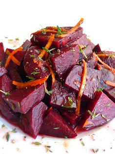 marinated beet salad with orange, thyme and balsamic vinegar. thus my love affair with beets remains uninterrupted. Beet Recipes, Healthy Eating Recipes, Raw Food Recipes, Vegetarian Recipes, Cooking Recipes, Orange Salad, Beet Salad, Small Meals, Vegetable Salad