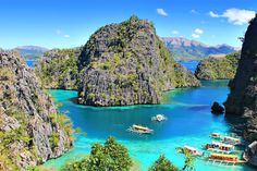 Coron Bay, Palawan | Coron Or El Nido? Which One Is Really Better? | A Travel Guide to Philippines Last Frontier | via @Just1WayTicket