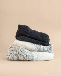 An updated version of classic 70's slippers. Knit without a purl stitch in sight! Simple and satisfying knitting pattern and a super useful wardrobe stable. Knitting Stitches, Knitting Socks, Knitting Patterns Free, Knit Patterns, Free Knitting, Free Pattern, Knit Socks, Knitting Machine, Fingering Yarn