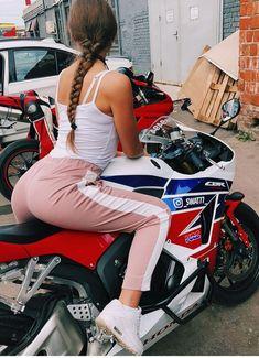 Biker Baby, Biker Girl, Bike Mania, Ducati 848, Scooter Girl, Biker Chick, Girl Body, Sport Bikes, High Waist Jeans